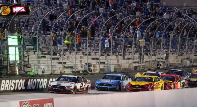 NASCAR, delle gare di qualifica stabiliranno la griglia nella prova sterrata di Bristol