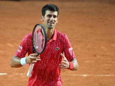 Djokovic-Tsitsipas oggi, semifinale Roland Garros: orario, tv, programma, streaming