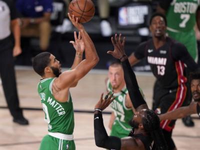 NBA Playoff 2020: i Boston Celtics ribaltano i Miami Heat in gara-5 e riaprono la serie