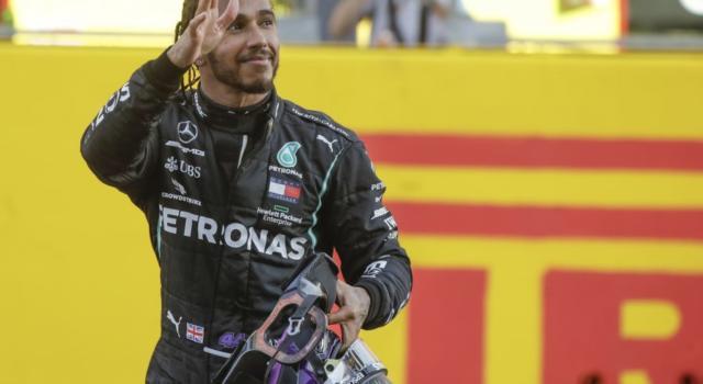 F1, smentite dalla Germania le voci dell'accordo Hamilton-Mercedes: si dovrà aspettare prima del rinnovo