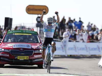 Tour de France 2020: Alexey Lutsenko va in fuga e domina sul Mont Aigual. Fabio Aru attacca!