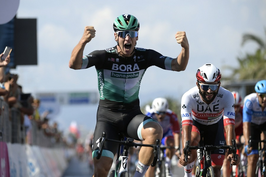 VIDEO Vuelta a España 2020, highlights nona tappa: la volata incriminata di Sam Bennett! vince Pascal Ackermann