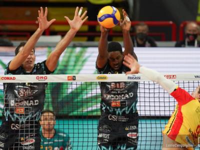 Volley, Superlega 2020 prima giornata. Perugia: debutto faticoso ma il 3-0 a Vibo Valentia è servito