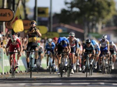 Pagelle Tour de France, settima tappa: Van Aert superlativo, Sagan a due facce. Male Landa e Chaves