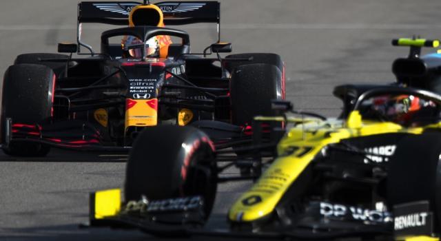 F1, la Renault e la McLaren minacciano la Red Bull per qualifiche e la gara? Max Verstappen deve preoccuparsi
