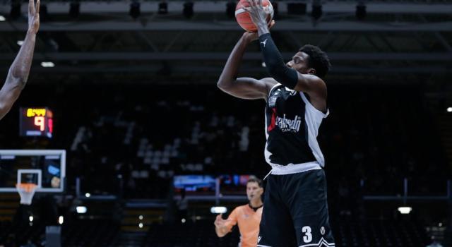 Basket, EuroCup 2020-2021: Abass fa il Teodosic e la Virtus Bologna centra una vittoria in Lituania