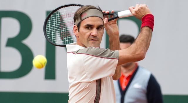 """Roland Garros 2020, Roger Federer si complimenta con Rafael Nadal: """"Sempre grande rispetto come persona e campione"""""""