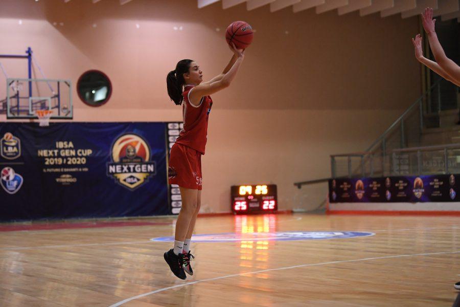 Matilde Villa a 15 anni macina record ed è la speranza del basket italiano