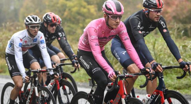 LIVE Giro d'Italia 2020 in DIRETTA: crolla Kelderman, Hindley maglia rosa per 0″86 su Kelderman! 7° Nibali