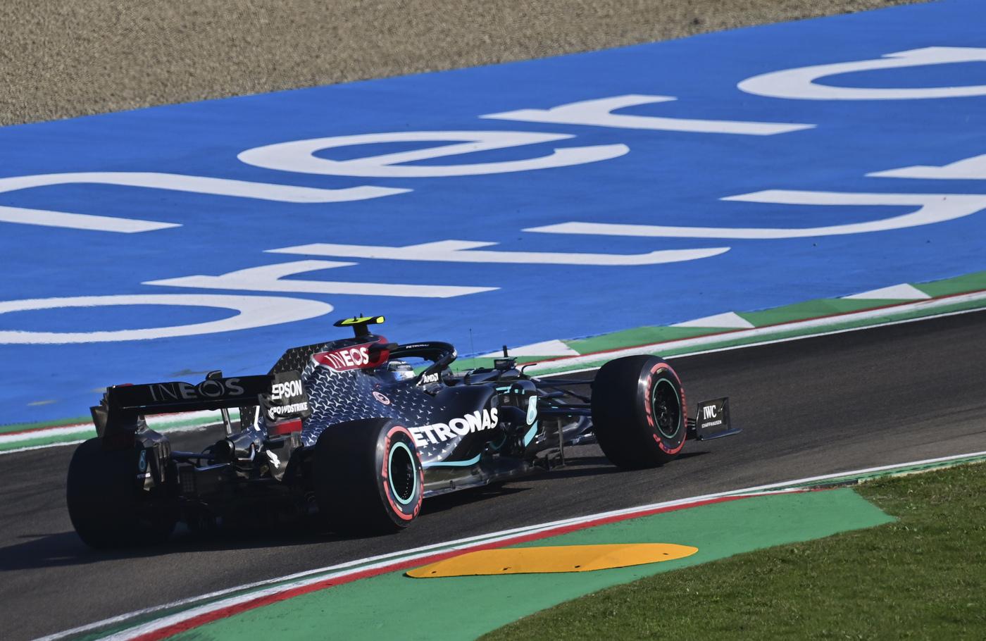 VIDEO F1, GP Imola 2020: highlights qualifiche. Bottas batte Hamilton per la pole! Leclerc 7° con la Ferrari