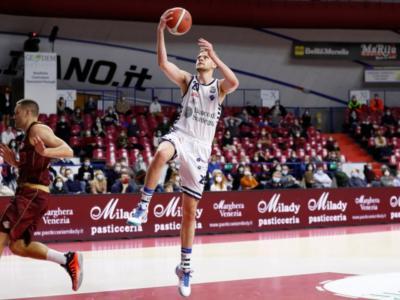 Basket, Serie A 2020-2021: tutto facile per Venezia e Sassari contro Trieste e Cremona
