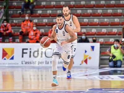 LIVE Dinamo Sassari-Tenerife 92-72, Champions League basket in DIRETTA: i sardi conquistano la vittoria grazie ad un secondo tempo da +29!