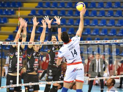 Volley, SuperLega: terza giornata. Civitanova asfalta Trento, Perugia capolista solitaria