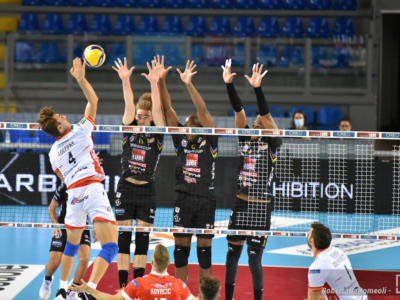 LIVE Civitanova-Trento 3-0, Superlega volley in DIRETTA: i marchigiani dominano il match. Juantorena incontenibile!