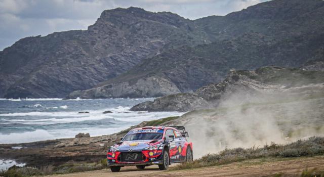 Rally Sardegna 2020, Dani Sordo vince davanti a Neuville. Ogier completa il podio, Evans 4° conserva la vetta mondiale