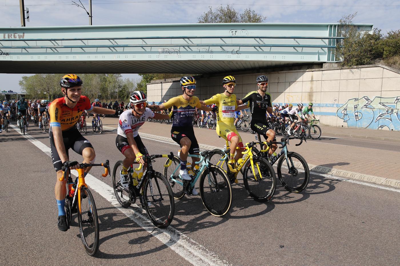 Vuelta a España 2020: Matej Mohoric costretto al forfait dopo una frattura alla scapola