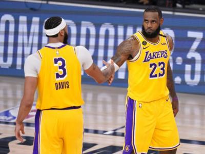 NBA 2021, i risultati della notte. I Lakers superano i Celtics. Cade Milwaukee, Lillard show a Chicago