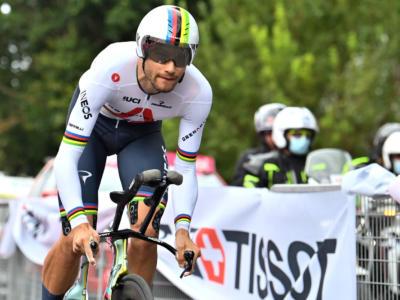 """LIVE UAE Tour, seconda tappa in DIRETTA: Filippo Ganna dominante. """"Ottime sensazioni"""", per Tiberi punti di sutura"""