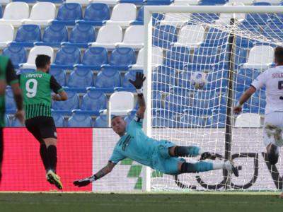 Calcio, Serie A 2020-2021: Sassuolo asfalta il Crotone 4-1. Caputo inarrestabile