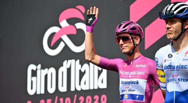 """Classifica Giro d'Italia 2020, terza tappa: Almeida maglia rosa, Nibali 6° a 55"""". Thomas e Yates fuori dai giochi!"""