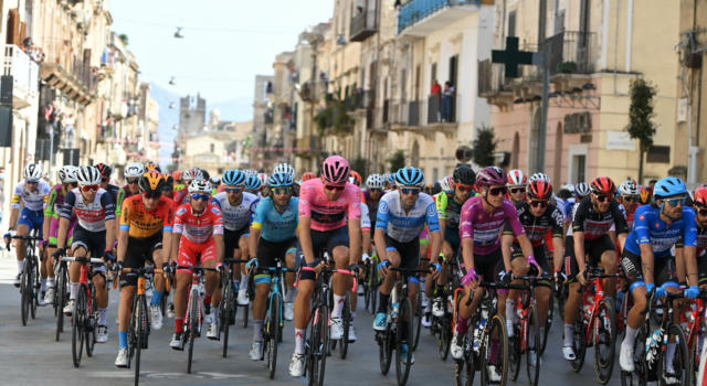 Giro d'Italia 2020, domani primo arrivo in salita: Etna da versante inedito. Altimetria e analisi: si delinea la classifica