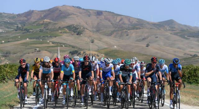 Giro d'Italia 2021, 4 squadre italiane si contendono 2 wild card. La Eolo Kometa di Basso-Contador favorita. E poi…