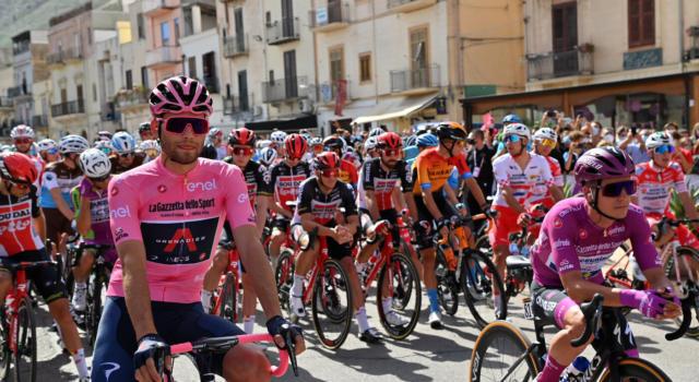 """Giro d'Italia 2020, Filippo Ganna: """"Abbiamo mantenuto la maglia rosa, domani lavorerò per Thomas"""""""