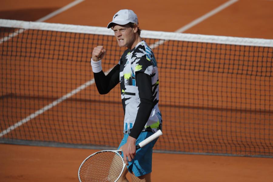 """Tennis, Jannik Sinner: """"Ho disputato una partita solida, non è stato facile contro un giocatore come Ramos Vinolas"""""""