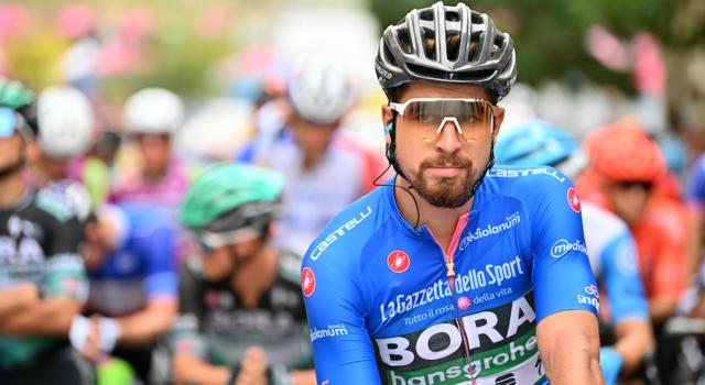 LIVE Giro d'Italia, Catania-Villafranca Tirrena in DIRETTA: Wackermann steso dall'imperizia di un elicottero. Demare vince su Sagan, Almeida incrementa in classifica