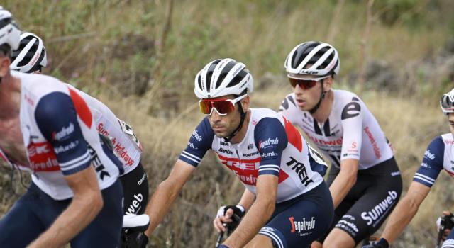 Giro d'Italia 2020, Vincenzo Nibali supera l'esame di montagna. Squalo promosso sull'Etna, britannici alla deriva e ora…
