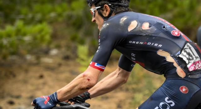 Giro d'Italia 2020, Geraint Thomas e una caduta letale. Il grande favorito saluta i sogni rosa, che botto nel trasferimento