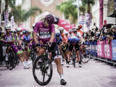 LIVE Giro d'Italia in DIRETTA: Nibali ci prova all'ultimo km, cade Joao Almeida, domina Demare