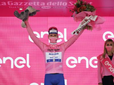 """Classifica Giro d'Italia 2020, settima tappa: Joao Almeida in rosa. Vincenzo Nibali 5° a 1'01"""", paura con i ventagli"""