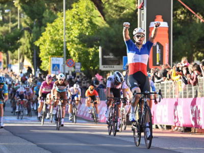 VIDEO Parigi-Tours 2021, highlights e sintesi. Demare vince in volata, battuti Bonnamour e Stuyven