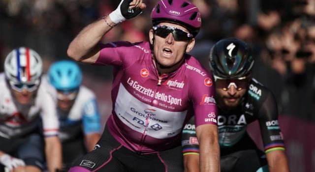 Volta a la Comunitat Valenciana 2021, Arnaud Demare vince la second tappa in volata. Consonni 4°