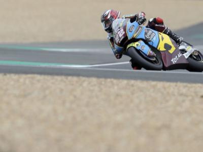 Moto2, risultati FP2 GP Teruel 2020: Sam Lowes cade ma è il più veloce, preoccupano Bezzecchi 11°, Bastianini 13° e Marini 23°