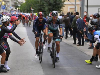 Giro d'Italia 2020: spettacolo nella decima tappa, numero da fenomeno di Peter Sagan. Perde oltre un minuto Fuglsang