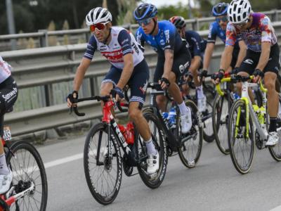 Ciclismo, Vincenzo Nibali deve posticipare il debutto: niente Volta Algarve per lo Squalo
