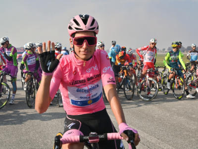 "Classifica Giro d'Italia 2020, 15ma tappa: Almeida resta in rosa, Kelderman a 15"". Vincenzo Nibali si stacca in salita: 7° a 3'29""'"