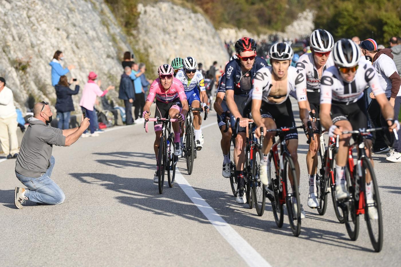 Giro d'Italia 2020 |  terza settimana di fuoco con 4 tapponi  Tutte le salite da scalare |  Stelvio |  Agnello |  Izoard  E l'incognita neve…