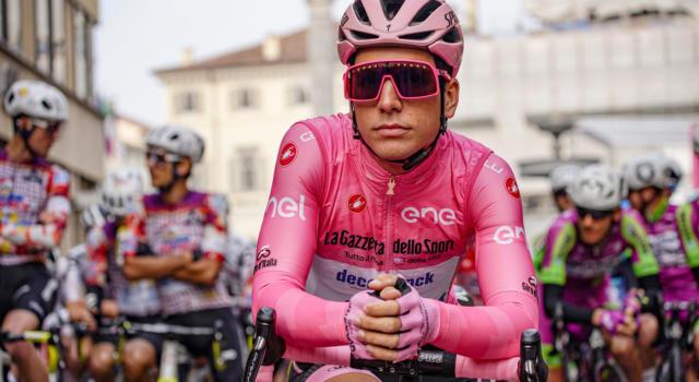 """Classifica Giro d'Italia 2020, 16ma tappa: Almeida guadagna! Kelderman a 17"""". Vincenzo Nibali 7° a 3'31"""": ora le montagne"""