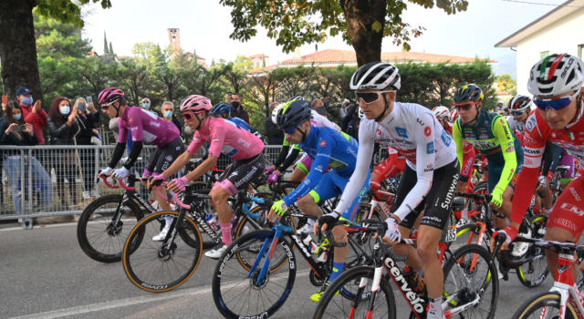 VIDEO Giro Paesi Baschi 2021, highlights seconda tappa: Aranburu vince in solitaria, attacchi di Roglic e Pogacar