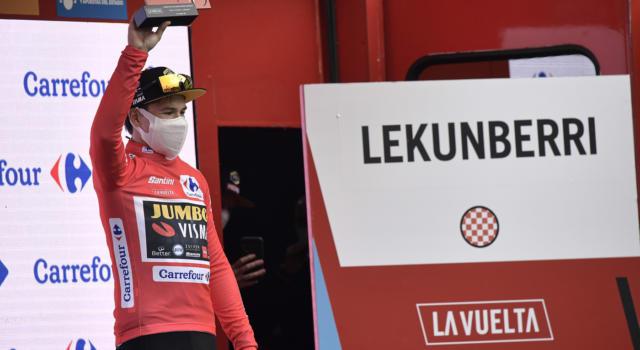 """Classifica Vuelta a España 2020, quinta tappa. Roglic maglia rossa. 5"""" su Martin, Carapaz a 13"""""""