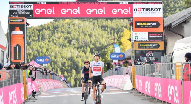 Giro d'Italia 2020, pagelle di oggi: Dennis stratosferico, volano Hindley e Geoghegan Hart. Crolla Almeida