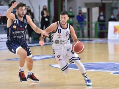 Fortitudo Bologna-Dinamo Sassari oggi: orario, tv, programma, streaming Serie A basket