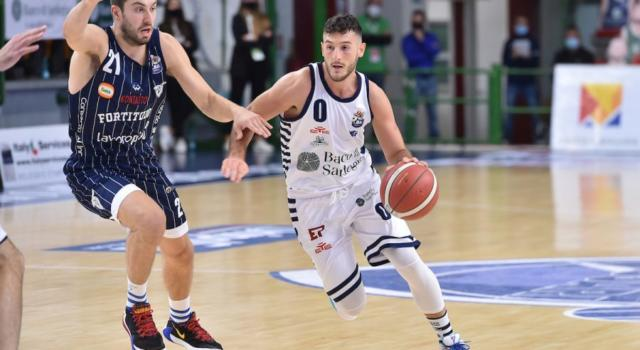 Basket, Serie A 2020-2021: Spissu salva la Dinamo Sassari nel mezzogiorno di fuoco, Fortitudo Bologna battuta