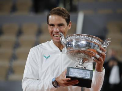 Roland Garros 2020, Rafael Nadal fa 13 a Parigi e raggiunge Roger Federer. Il Re della terra è sempre lui