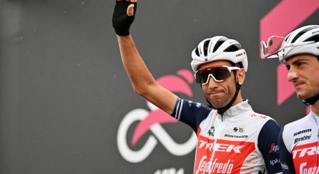 Giro d'Italia 2020, Vincenzo Nibali perde secondi. Freddo e mancanza di esplosività, ma resta in gioco