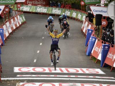 LIVE Vuelta a España 2020 in DIRETTA: Carapaz torna leader, ma Roglic non affonda. Carthy stupisce