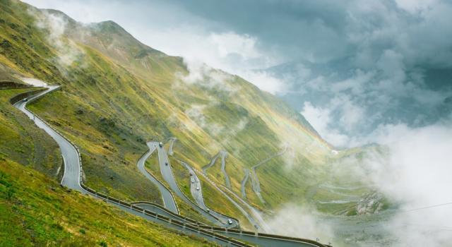 """DIRETTA Giro d'Italia 2020 LIVE: Kelderman maglia rosa per 15″. Nibali staccato: """"I giovani sono più forti, noi vecchi siamo rimasti in pochi"""""""
